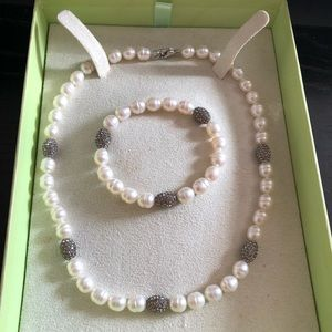 Jewelry - Freshwater pearl necklace and bracelet